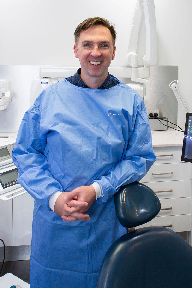 Dr David Willis Dental Surgeon removal wisdom teeth in Sydney